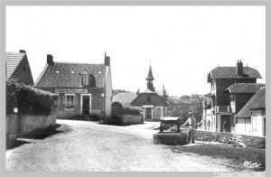 Le puits au premier plan est de l'année 1889.
