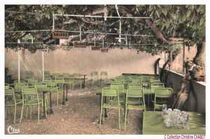 C'était la terasse du Goujon Frétillant, un des deux Café Restaurant de la localité