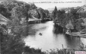 Juste en face du pré de Chauvière des barques assuraient la traversée d'une rive à l'autre.